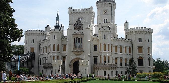 Замок Глубок-над-Влтавой